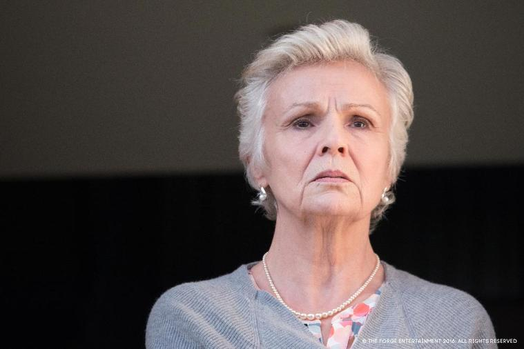 Julie Walters als Marie Finchley