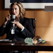 janet-mcteer-as-julia-walsh