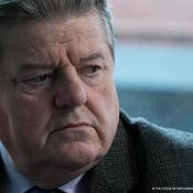 Robbie Coltrane als Paul Finchley